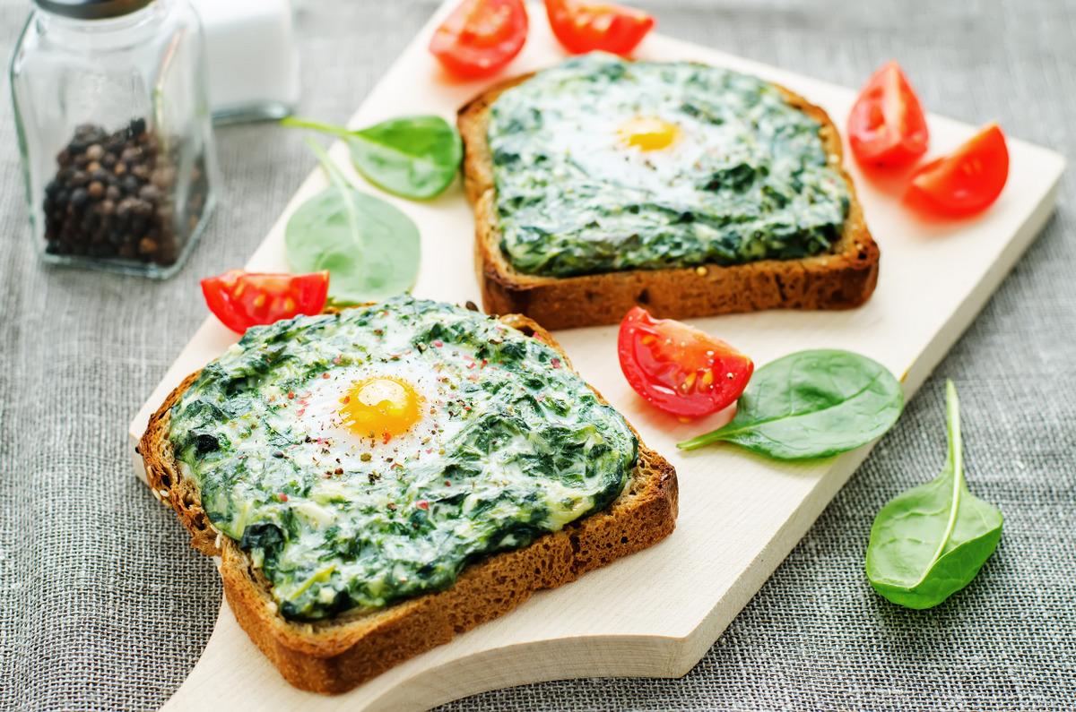 sandwich-cu-spanac-si-ou-L