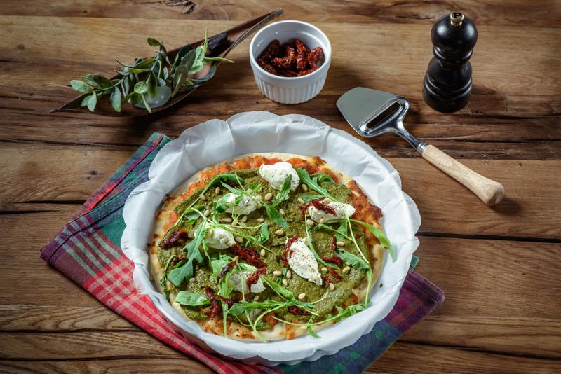 Pizza-Margherita-cu-pesto