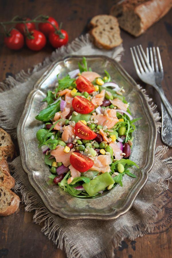 salata-cu-somon-afumat-si-wellness-mix-reteta-p