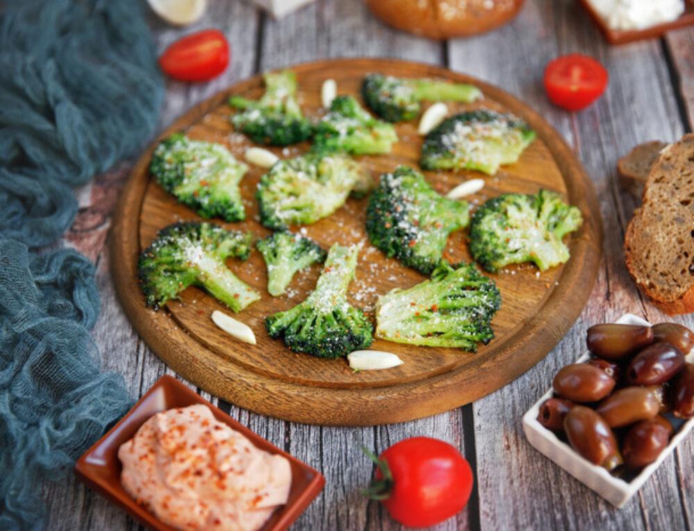 Broccoli la tigaie cu parmezan – reteta