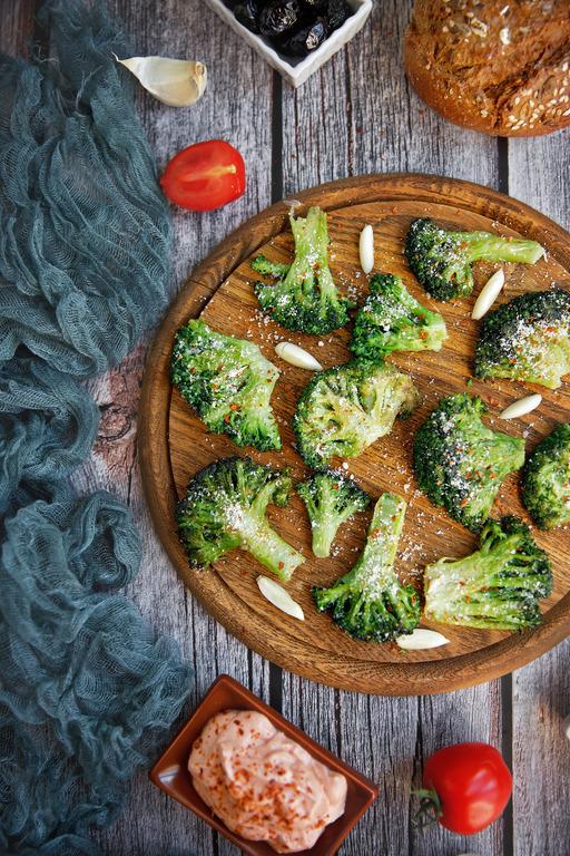 Broccoli-la-tigaie-cu-parmezan-P1