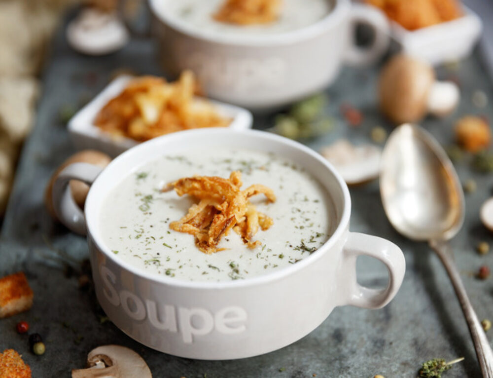 Supa crema de ciuperci cu ceapa crocanta- reteta
