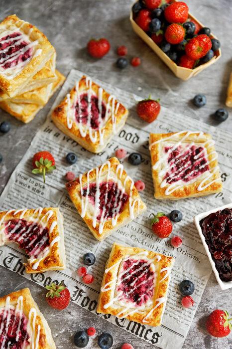mini-tarte-cu-fructe-de-padure